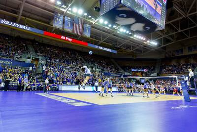 vball-uw-wisconsin-0858-(c)-Red-Box-Pictures